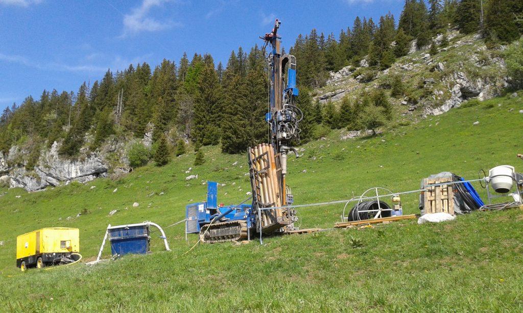 Réalisation d'une sonde test à 120m et réponse thermique sur le plateau des Glières pour le compte du département de la Haute Savoie